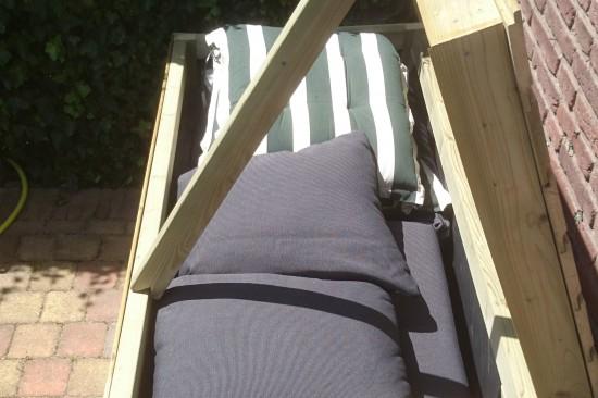 Vurenhouten kist voor loungekussens