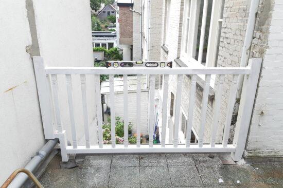 Meranti balkonhek