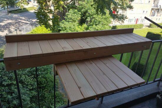Douglashouten balkonbar en tafel